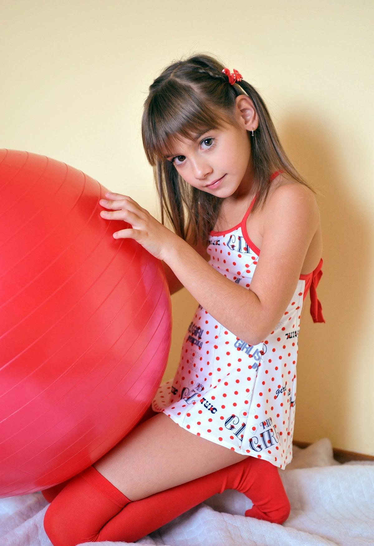【科学】最新の「小児性愛者発見器」は児童の全裸姿を眺めさせて男性器の平常時と興奮時の血流変化をチェック★2 [無断転載禁止]©2ch.netYouTube動画>1本 ->画像>127枚
